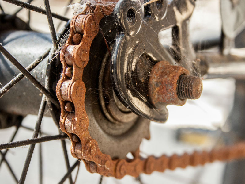 How to Remove Rust Stains From a Bicycle Chain - Chain